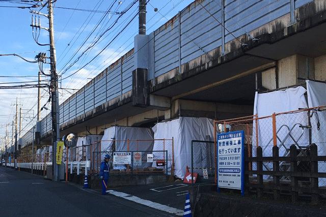 【施工実績18】北総鉄道の遮音壁の塗装